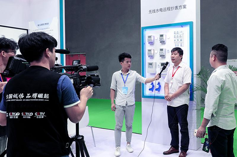 湖南集社创始人与CCTV中央记者进行深度交流介绍产品